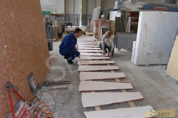 Quality control of production of elements from natural marble in Italy