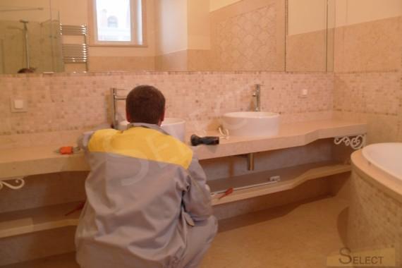 Фото установки Смесители, аксессуары – Burlington Bathrooms