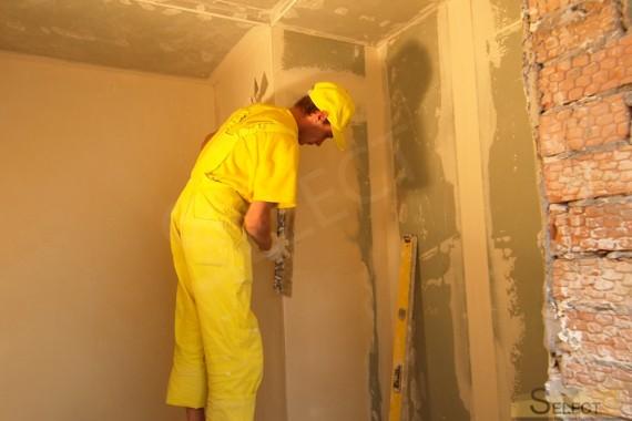 малярные работы в веннес зоне коттеджа . Подготовка стен к укладке плитки