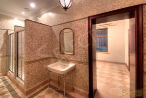 Фото Душевая комната на вилле в мозаике Bisazza