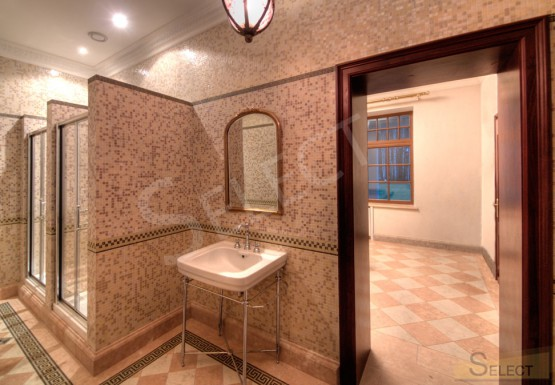 Photo Shower room in a villa in mosaic Bisazza