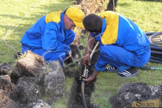 Фото прокладывания системы полива на вилле Системы канализации, водоснабжения, водоотведения, автономного полива – PipeLife