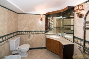 Photo. Bathroom in the basement - near the billiard room in the villa
