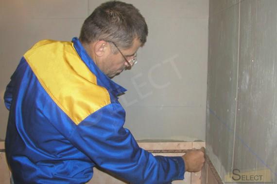 Затирка швов плитки санузела на цокольном этаже