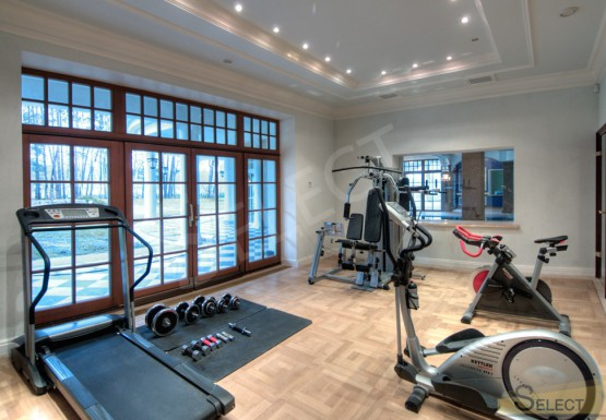 Photos Gym room (villa) with large windows and centralized ventilation