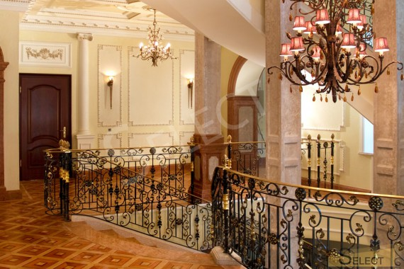 Photo of the second floor of the staircase elevator hall of a residential country house